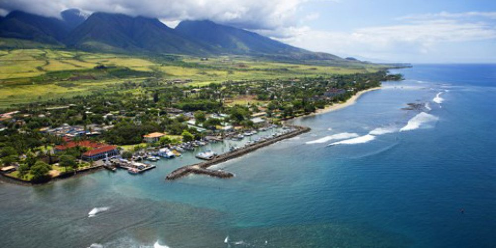 http://nokaoiislandmanagement.com/wp-content/uploads/2015/05/lahaina_harbor_from_the_air.jpg